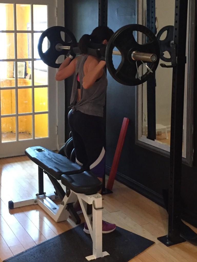 Maritere Doing Squats